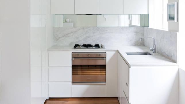 small-white-kitchen-rd11-20151027162447-q75-dx1920y-u1r1g0-c