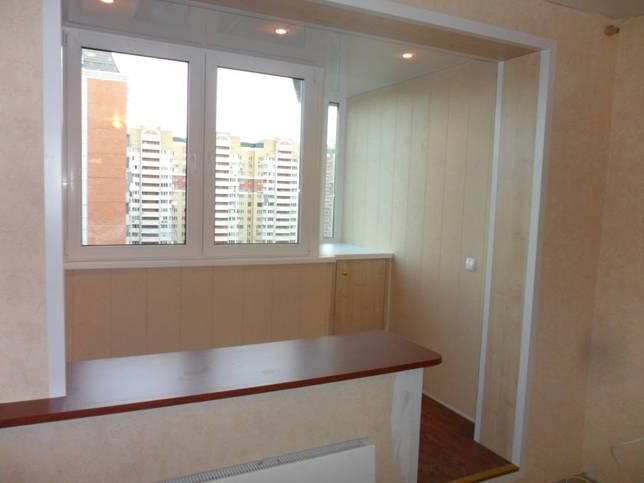 Соединить балкон с комнатой можно только при получении разрешения от государственных инстанций и служб