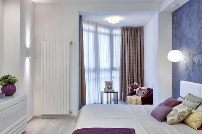 декор и освещение в спальне совмещенной с лоджией