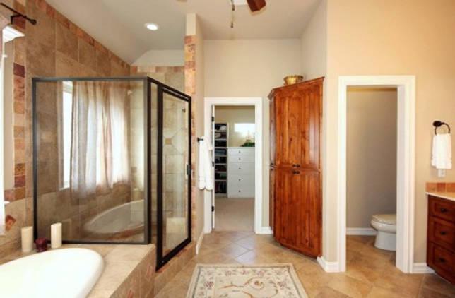 Светлые оттенки в отделки ванной комнаты