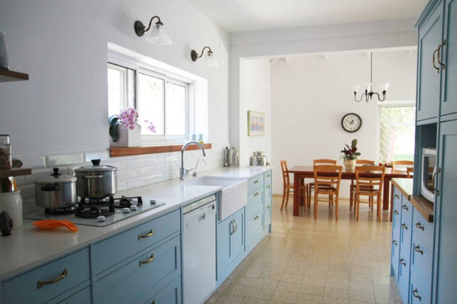 Голубая кухня (115 фото): модные интерьеры с яркими акцентами