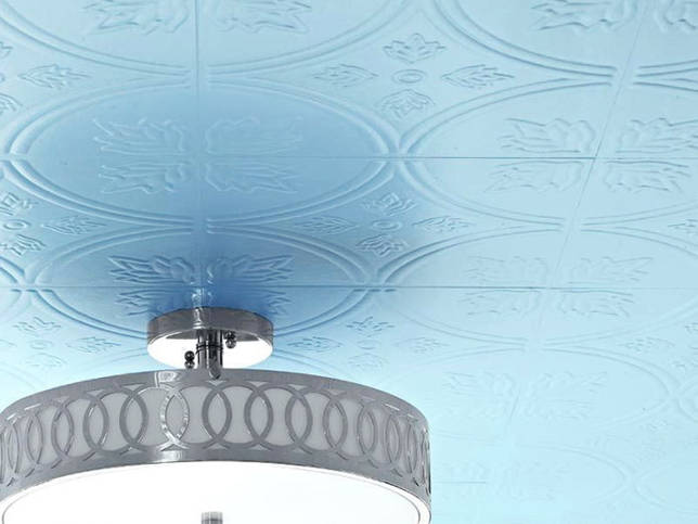 потолочная плитка голубого цвета