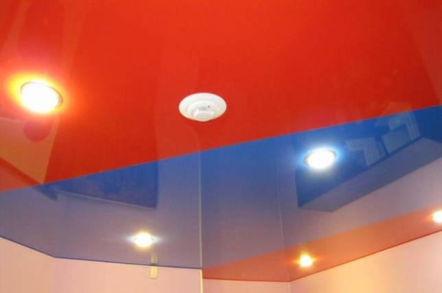 Голубой потолок: использование в интерьере и варианты сочетаний (25 фото)