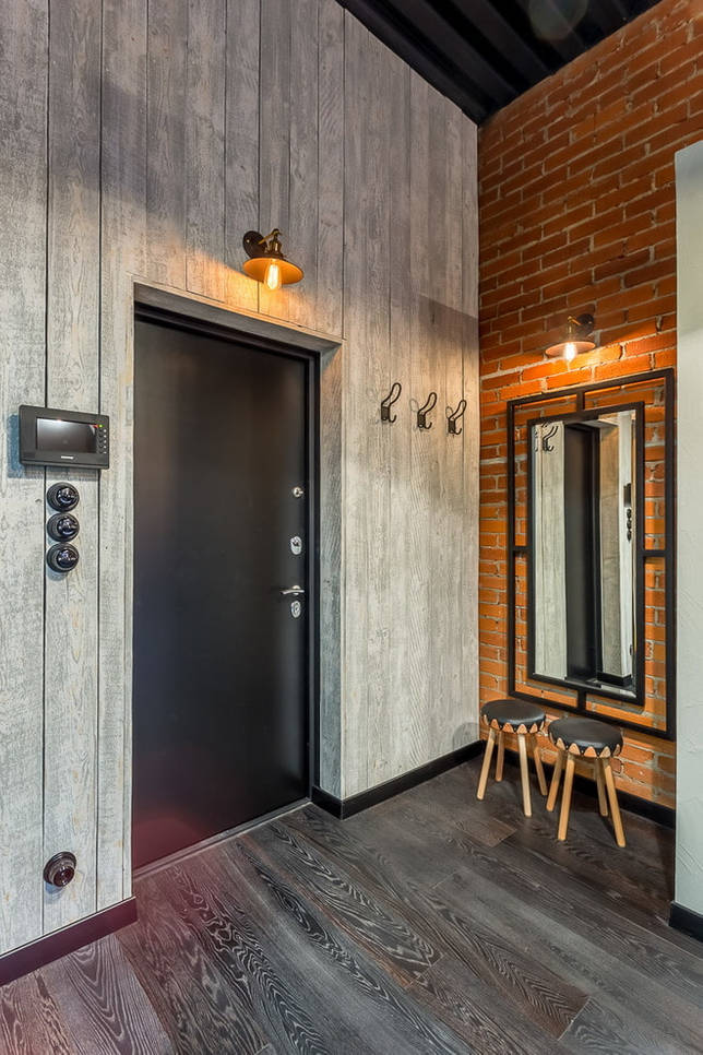 Монохроматическое сочетание дверей и ламината